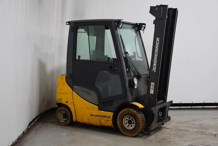 Jungheinrich DFG320, Diesel forklifts, Material Handling
