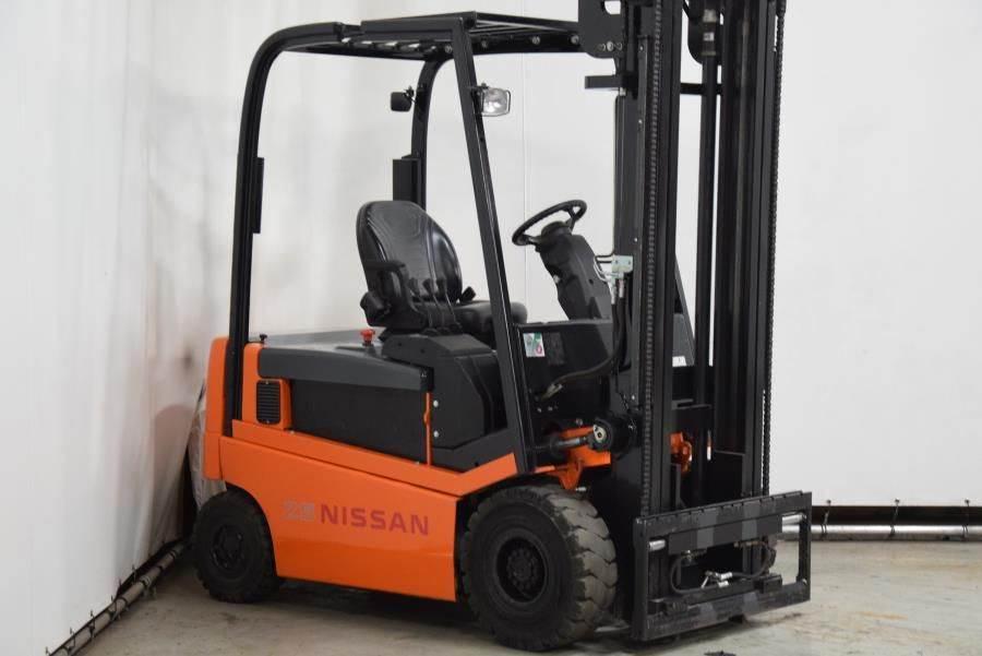 Nissan 1Q2L25Q, Electric forklifts, Material Handling
