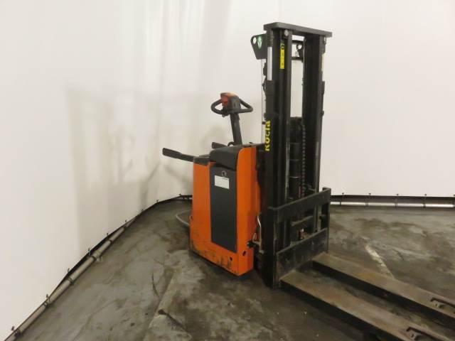 Rocla SP16I, Pedestrian stacker, Material Handling