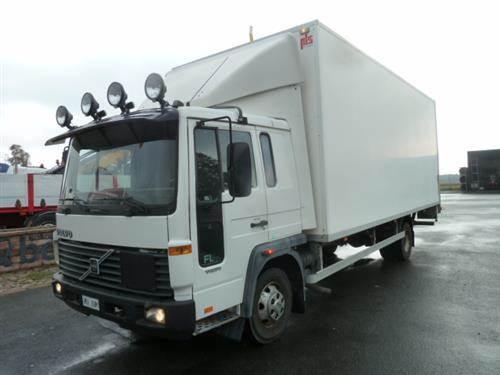 Volvo FLC, Skåpbilar, Transportfordon