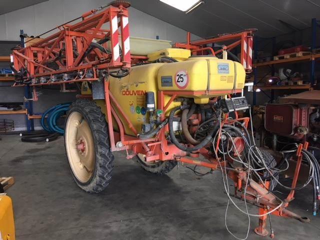 Douven Partner 2400, Getrokken spuitmachines, Landbouw