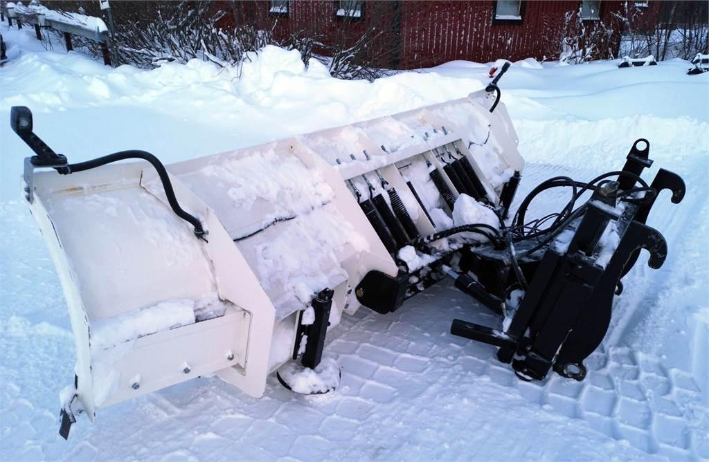 Blizzard 4000 TR, Snöblad och plogar, Lantbruk
