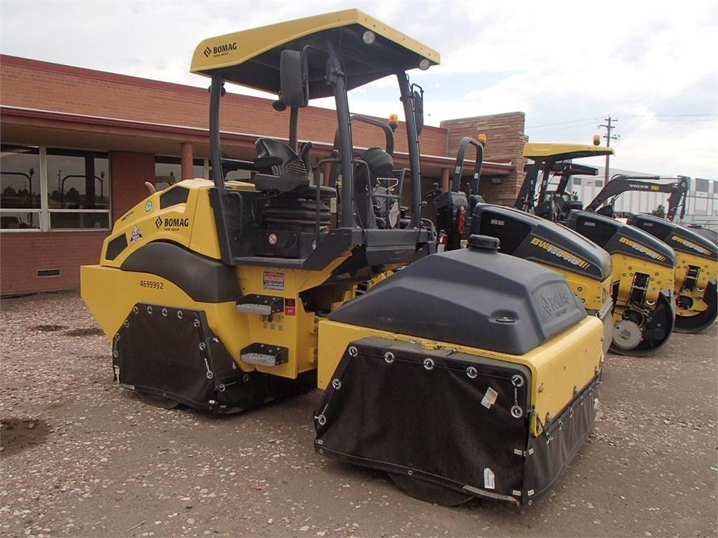 Bomag BW11RH-5, Pneumatic tired rollers, Construction Equipment