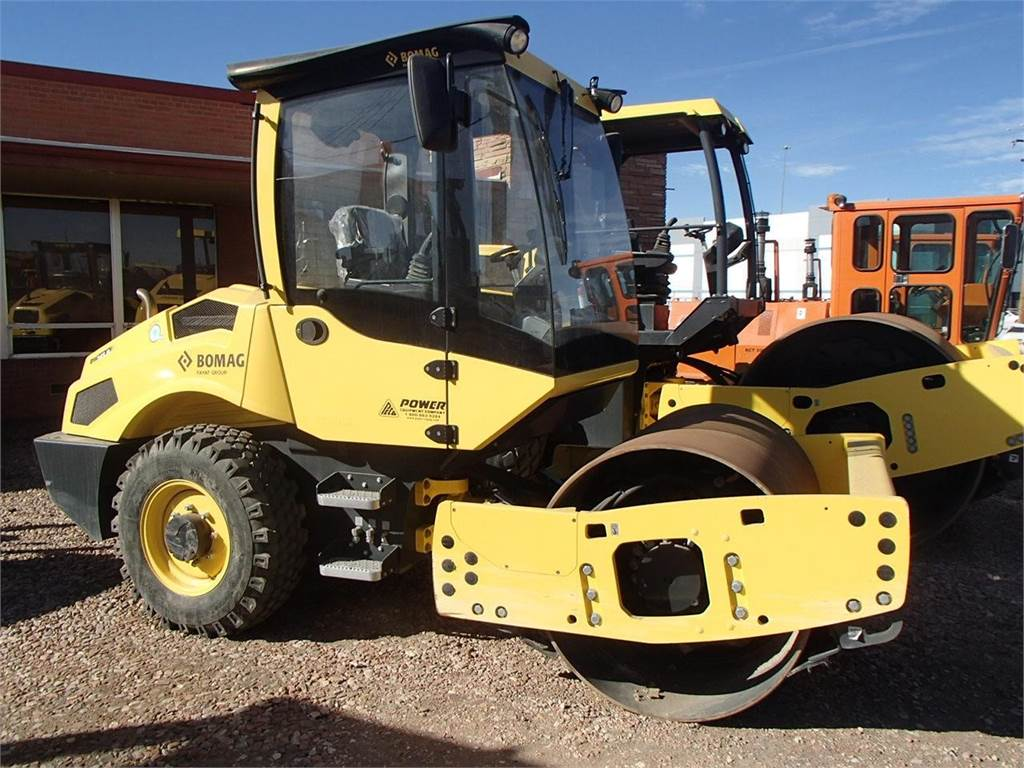 Bomag BW145D-5, Single drum rollers, Construction Equipment