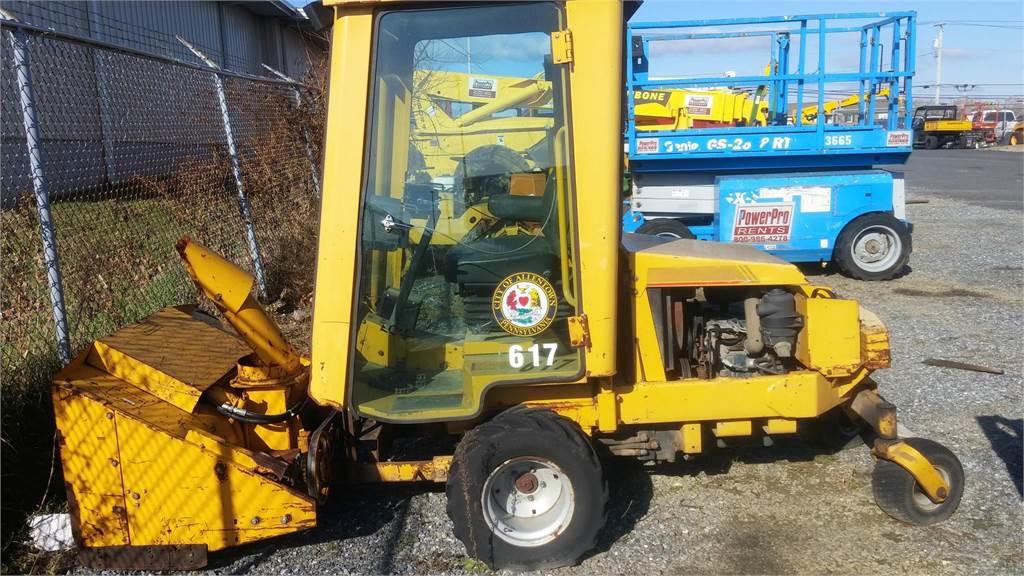Excel HUSTLER 3400, Zero turn mowers, Grounds Care