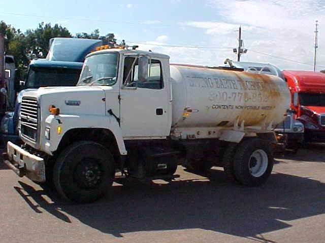 ford l8000 for sale covington tennessee price 10 000 year 1994 used ford l8000 tanker. Black Bedroom Furniture Sets. Home Design Ideas