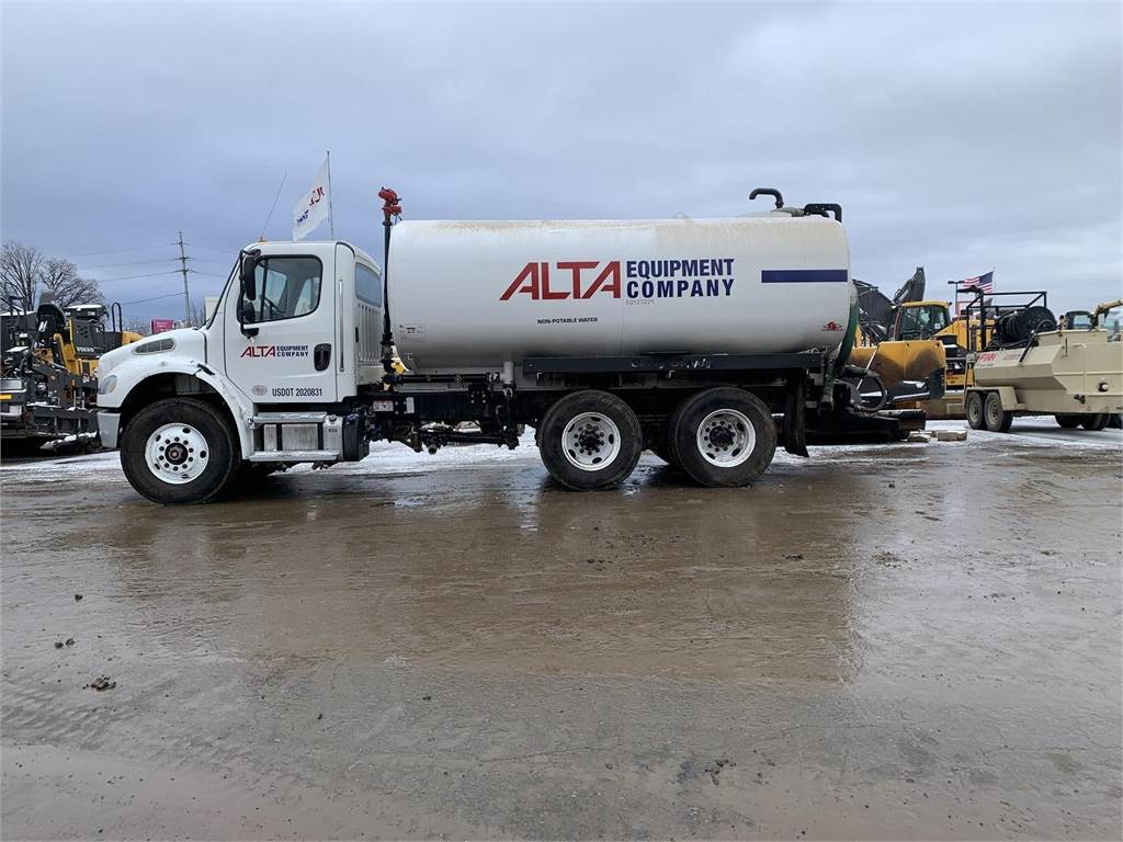 Freightliner BUSINESS CLASS M2 100, Water Trucks, Construction Equipment