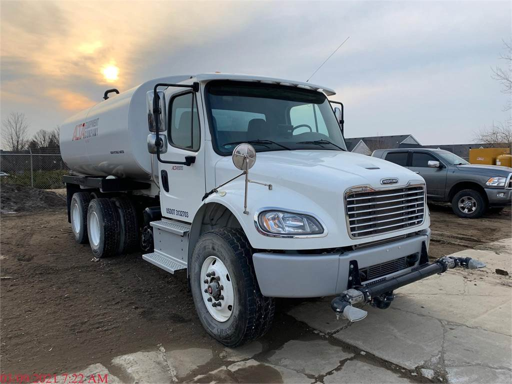 Freightliner BUSINESS CLASS M2 106, Water Trucks, Construction Equipment
