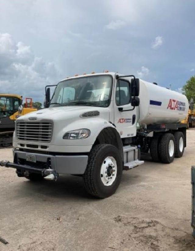 Freightliner BUSINESS CLASS M2 106, Water Trucks, Construction Equipment