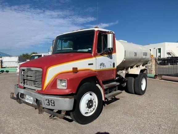 Freightliner FL70, Water Trucks, Construction Equipment