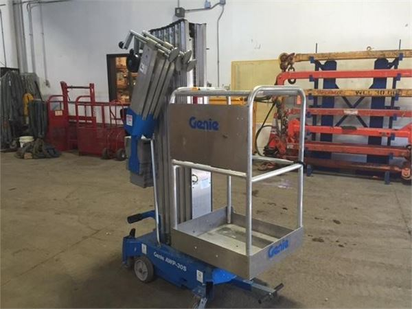 Genie AWP30S, Vertical mast lifts, Construction Equipment