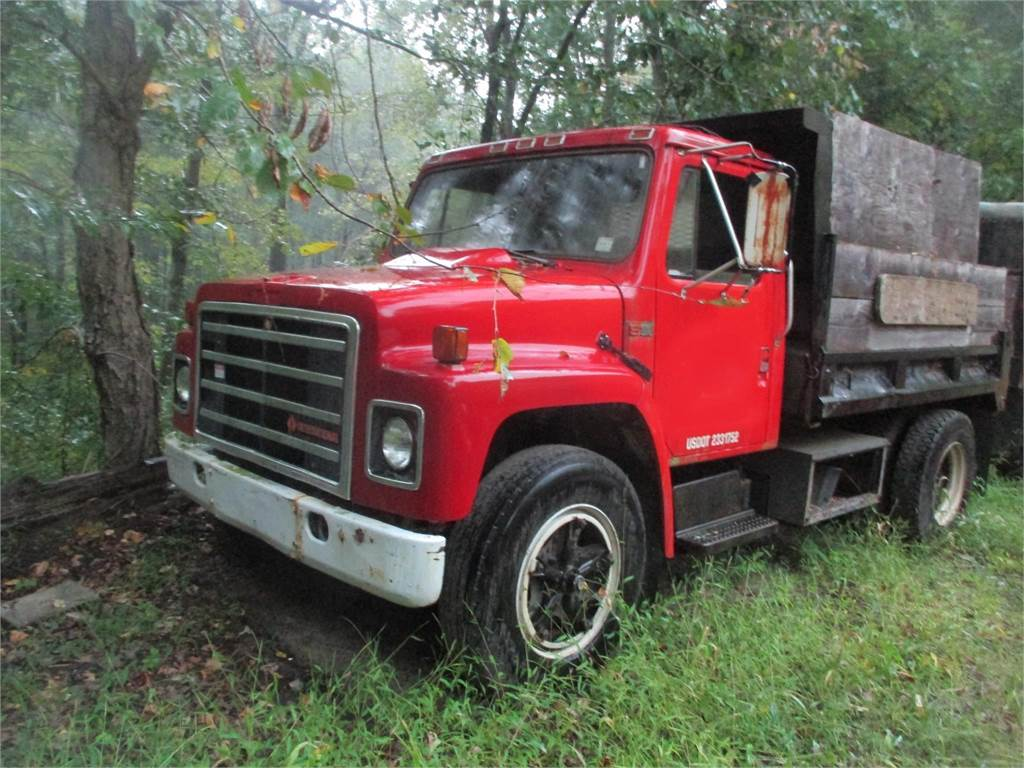 International S1600, Dump Trucks, Trucks and Trailers