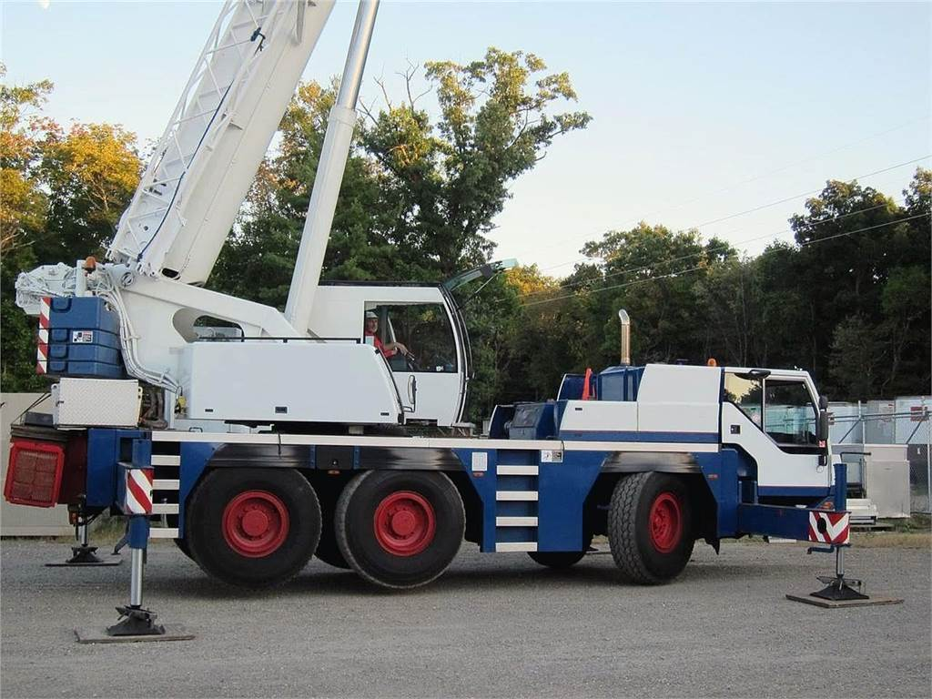 Liebherr LTM1055-1, All Terrain Cranes and Hydraulic Truck Cranes, Construction Equipment