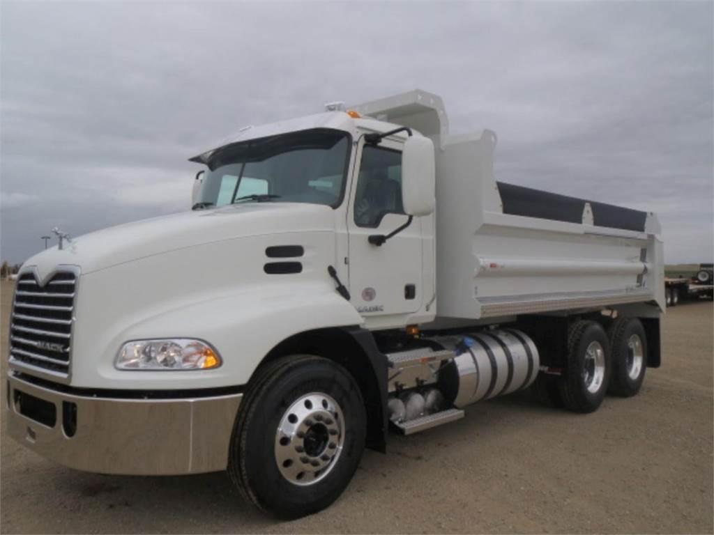 Mack PINNACLE CXU613, Dump Trucks, Trucks and Trailers