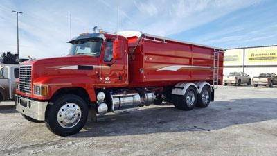 Mack PINNACLE CXU613, Farm and Grain Trucks, Trucks and Trailers