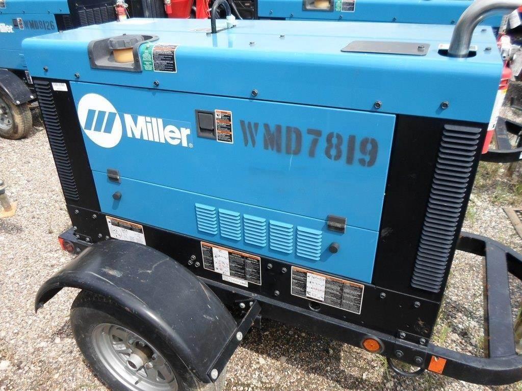 Miller BIG BLUE 400 PRO, Gas Generators, Construction Equipment