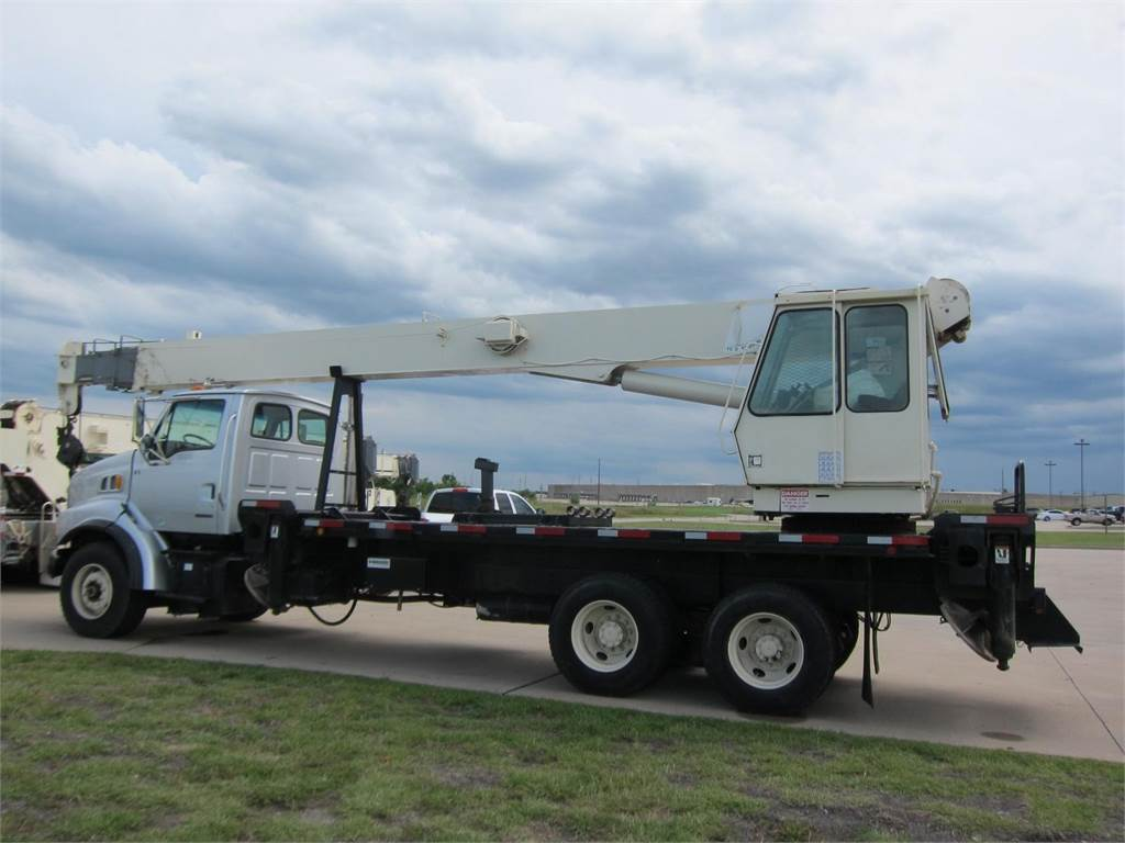 National 13105, Boom Trucks, Trucks and Trailers