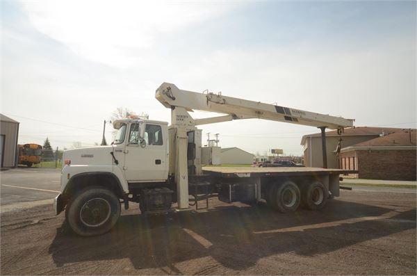 National 671C, Boom Trucks, Trucks and Trailers