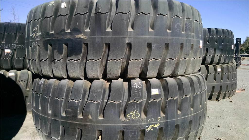 Xtreme Force 53/80-63, Tires, wheels and rims, Construction Equipment