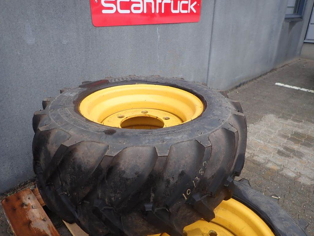 Goodyear 29x12,5-15, Tires, wheels and rims, Construction Equipment