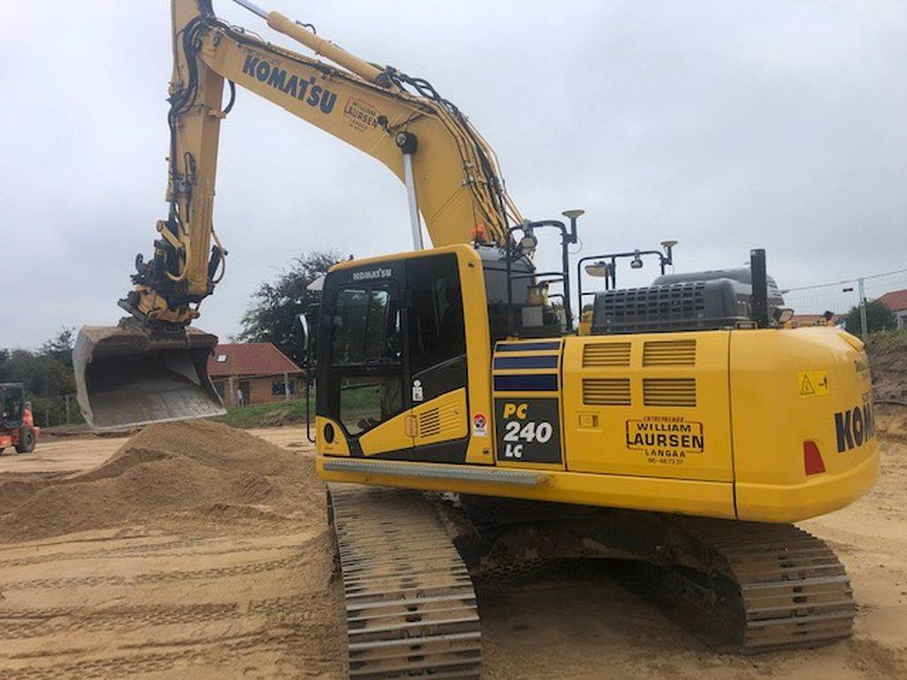 Komatsu PC240LC-11, Crawler Excavators, Construction Equipment