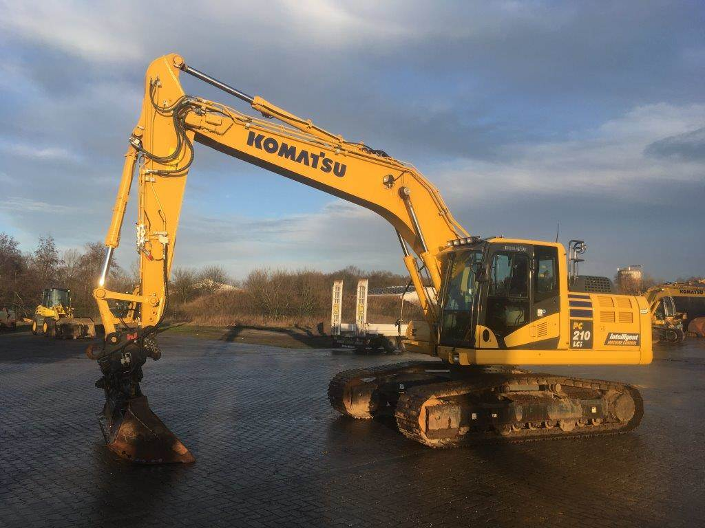 Komatsu PC210LCI-10, Crawler Excavators, Construction Equipment