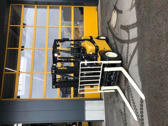 Yale GDP25MX, Diesel counterbalance Forklifts, Material Handling
