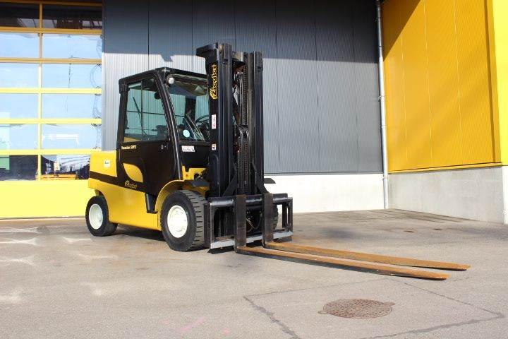 Yale GDP50VX, Diesel counterbalance Forklifts, Material Handling