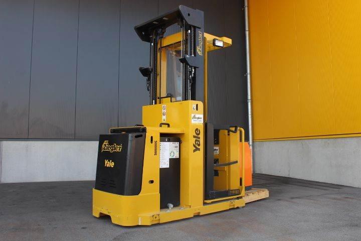 Yale MO10E, High lift order picker, Material Handling
