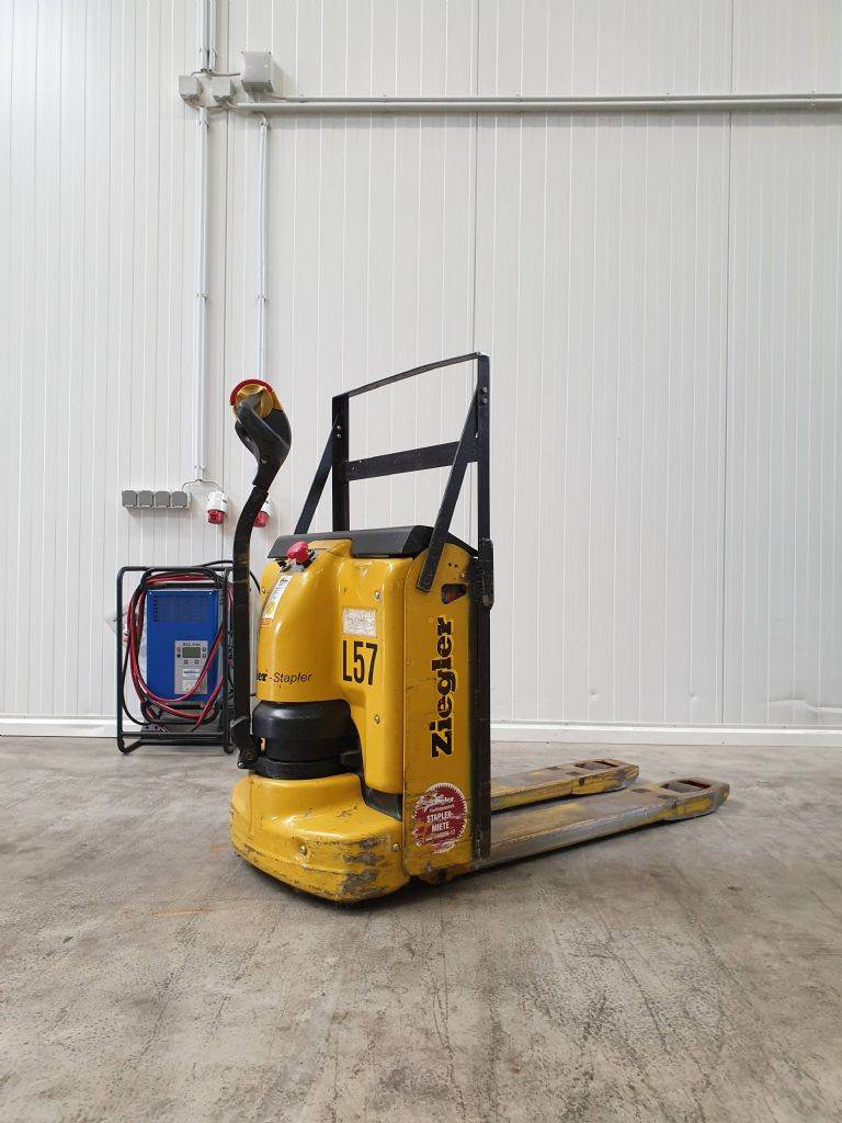 Yale MP18AC, Low lifter, Material Handling