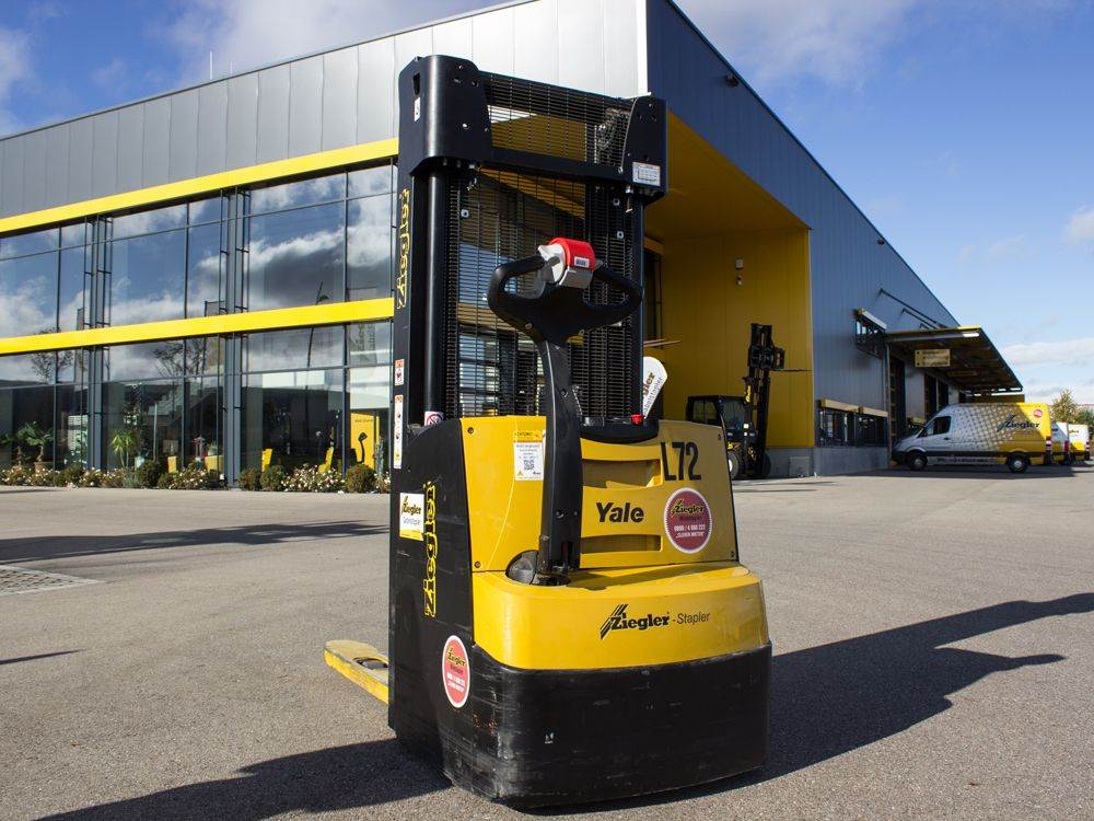 Yale MS16AC, Pedestrian stacker, Material Handling