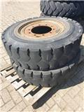 2x 4x2 tires and rims 12.00-20, Reifen