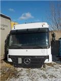 Mercedes-Benz Actros, Cabine en interieur