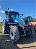 New Holland T 7030, 2011, Tractors