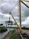 Bootkraan Botenkraan  boat crane, Żurawie portowe