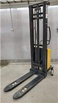 Intradin spm10-335, 2009, Goods and furniture lifts