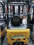 Nissan AG1N1L18T، 2014، شاحنات ذات رافعات شوكية تعمل بالكهرباء