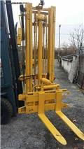 Caterpillar MAST W, 2002, Other tractor accessories
