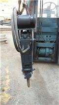 Thomas 150, Enfonce pieu hydraulique