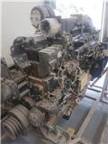 Komatsu WA700-3, Motory