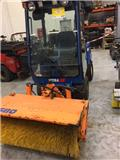 Vitra 2037, Kompaktní traktory