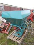 Bogballe 600 liter، معدات فرد المواد المعدنية