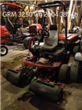 Toro GREENSMASTER 3250D, 2004, Greens mowers