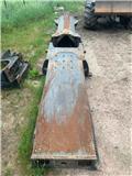 John Deere 1110, Châssis et suspension