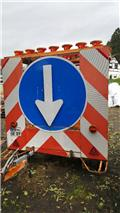 Absperrtafel Verkehrssicherungsanhänger Verkehrsle, Lietota cita komunālā tehnika