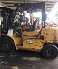 Caterpillar DP 40 K, 2010, Diesel trucks