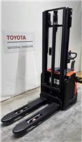 Toyota SWE120, 2019, Wózki widłowe unoszące z dyszlem
