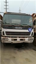 Isuzu dump truck, 2011, Kipper