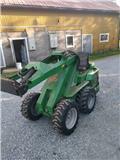 Avant 320+, 2002, Otros equipos y accesorios para ganadería