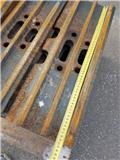 Hyundai Excavator Track Pads - r220, 60cm, Rupsbanden